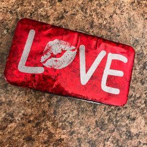 Claire's trendy wallet